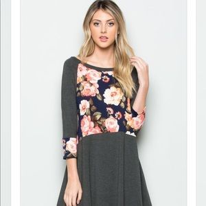 BNWT Exquisite Charcoal Floral Tunic